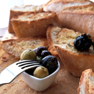 Do you like the smell of olives and bread?